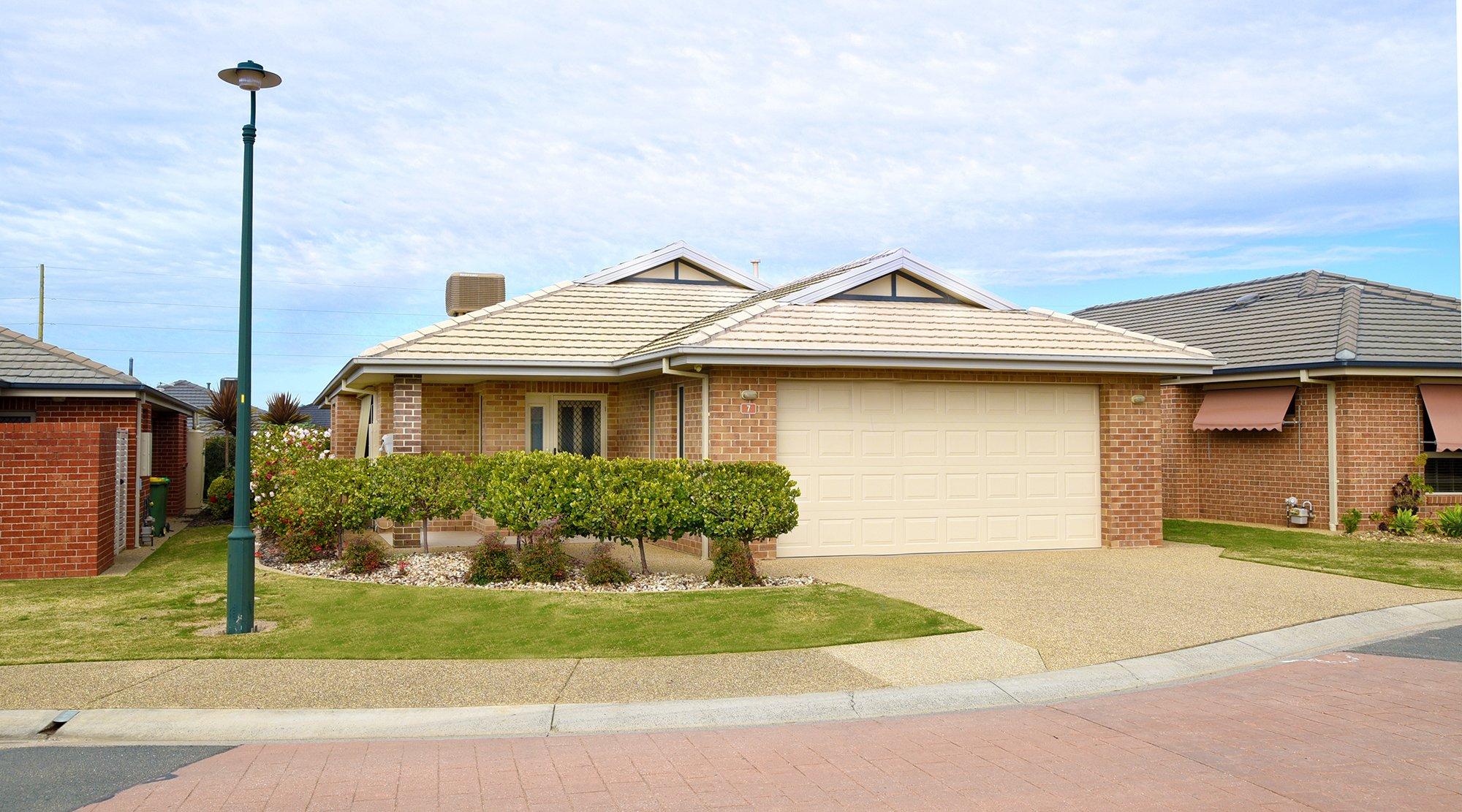 200905 House 7 Exterior LR